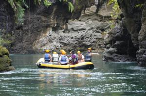 Fiji Whitewater Adventures Tour Packages